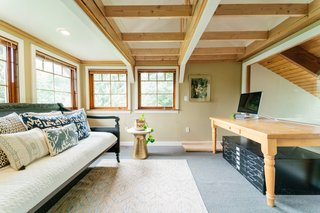 Repurposed Ship Materials and 100-Year-Old Beams Make Up This Tree House-Like Home - Photo 11 of 18 -