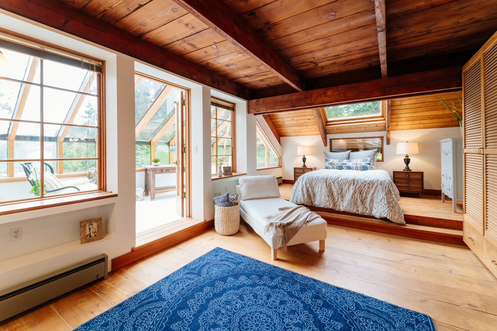 Photo 11 of 19 in Repurposed Ship Materials and 100-Year-Old Beams Make Up This Tree House-Like Home