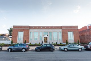 A Historic U.S. Post Office Is Transformed Into a Digital Agency's New Modern Office - Photo 1 of 15 -