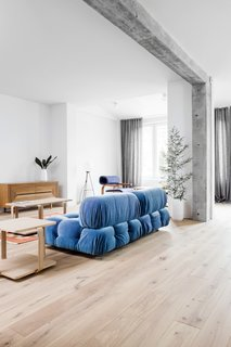 A Family's Loft in Poland Gets a Minimalist Renovation That's Both Elegant and Functional - Photo 11 of 12 -