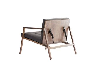 Young Guns 2017: New Designers Making Waves - Photo 28 of 42 - Finger Chair by Emiliano Molina