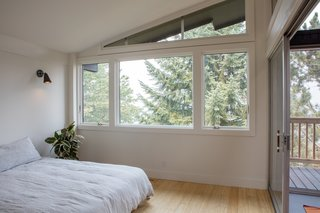 A Family-Run Operation Refreshes a Portland Midcentury, Now Offered at $899K - Photo 8 of 13 -