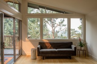A Family-Run Operation Refreshes a Portland Midcentury, Now Offered at $899K - Photo 5 of 13 -