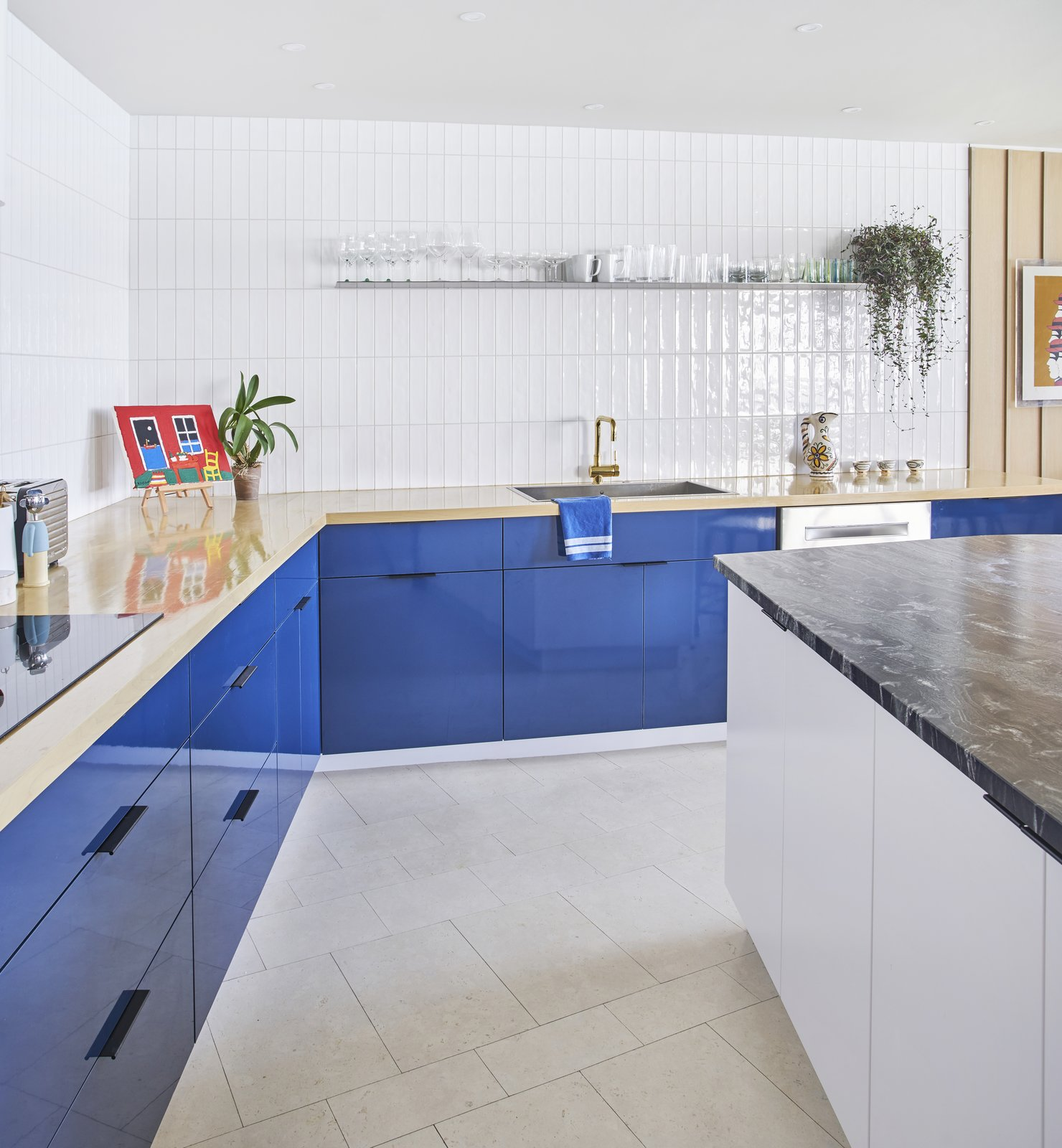 6 Flooring Options to Consider For Your Next Kitchen Renovation ...