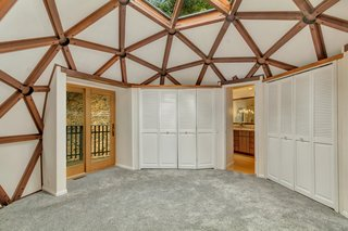 It Took Seven Years to Build This Geodesic Dome by Hand—and it's Now Listed For $889K - Photo 9 of 11 -