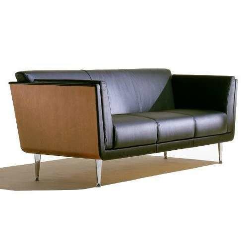 Goetz Sofa from Herman Miller