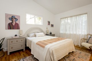 A Hillside Midcentury Home in Pasadena Starts at $749K - Photo 7 of 11 -
