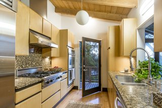 A Hillside Midcentury Home in Pasadena Starts at $749K - Photo 6 of 11 -