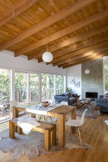 A Hillside Midcentury Home in Pasadena Starts at $749K - Photo 4 of 11 -