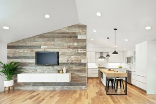 An Austin Couple Turn a Ranch Home Into a Refreshing Live/Work Space - Photo 5 of 13 -