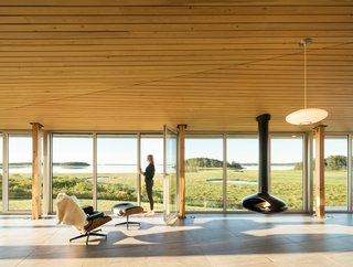 A Vacation Home in Nova Scotia Takes Cues From the Coastal Landscape - Photo 2 of 10 -