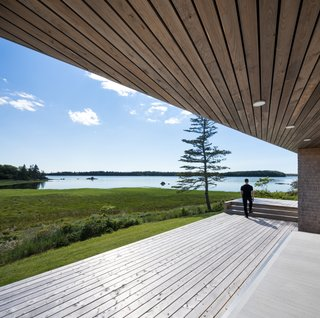 A Vacation Home in Nova Scotia Takes Cues From the Coastal Landscape - Photo 6 of 10 -