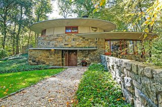 A Usonian Masterpiece by Frank Lloyd Wright Is on the Market For $1.5M - Photo 1 of 9 -