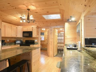 Enjoy the Rest of Fall by Renting One of These Cozy Cabins or Tree Houses - Photo 4 of 17 -