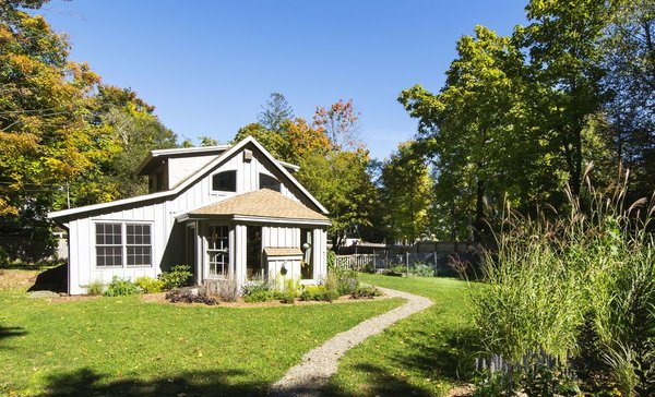 7 Best Houses You Can Rent in the Catskills This Holiday Season - Photo 3 of 20 -