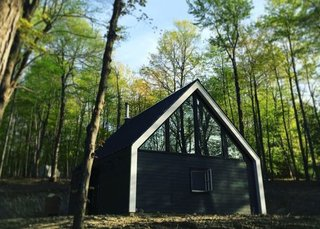 7 Best Houses You Can Rent in the Catskills This Holiday Season - Photo 10 of 20 -