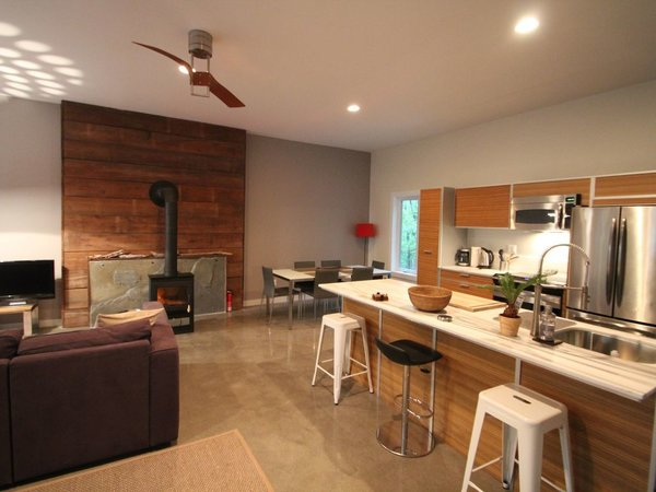 7 Best Houses You Can Rent in the Catskills This Holiday Season - Photo 17 of 20 -