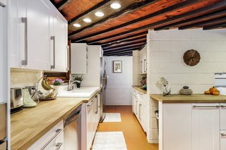 Live Out Frank Lloyd Wright's Usonian Vision in This Home That's Asking $725K - Photo 10 of 10 -