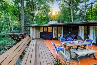 Live Out Frank Lloyd Wright's Usonian Vision in This Home That's Asking $725K - Photo 3 of 10 -