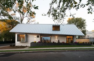 Yale Architecture Students Build a House For the Homeless