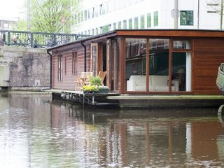 Rent Out One of These Cool Houseboats or Floating Homes