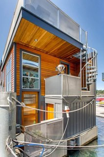 Rent Out One of These Cool Houseboats or Floating Homes - Photo 9 of 13 -