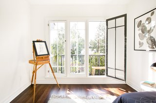 House of Cards Actor Molly Parker's Echo Park Bungalow Goes For $899K - Photo 9 of 11 -