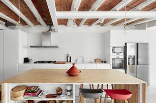 Can This Renovated, Loft-Like Home in Spain Be Any Dreamier? - Photo 8 of 10 -
