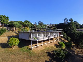 Spend the Night in an Iconic Case Study House North of San Francisco - Photo 1 of 16 -