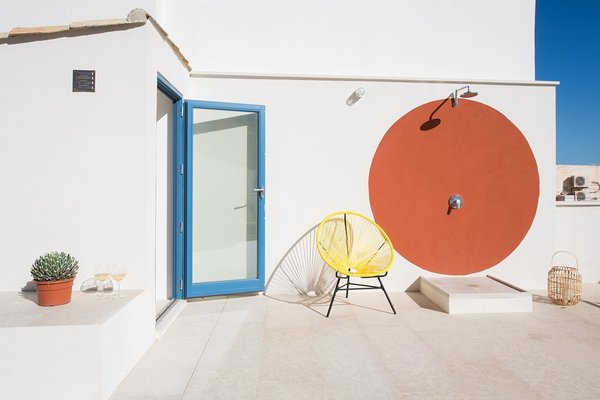 An Old Fisherman's House in Sicily Is Transformed Into 2 Apartments