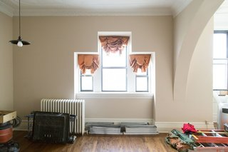 A 19th-Century Schoolhouse in Brooklyn Becomes a Classy Apartment - Photo 6 of 21 -