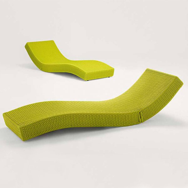 Wave chaise by Paola Lenti