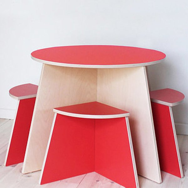 CIRCLE: KIDS TABLE & STOOLS by Small-Design