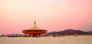 16 Otherworldly Photos of Burning Man Architecture - Photo 15 of 16 - The Man, 2013