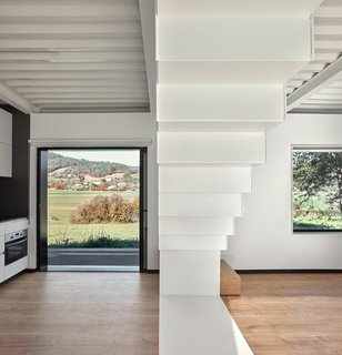 This Affordable Prefab in Spain Only Took 5 Hours to Assemble - Photo 9 of 14 -