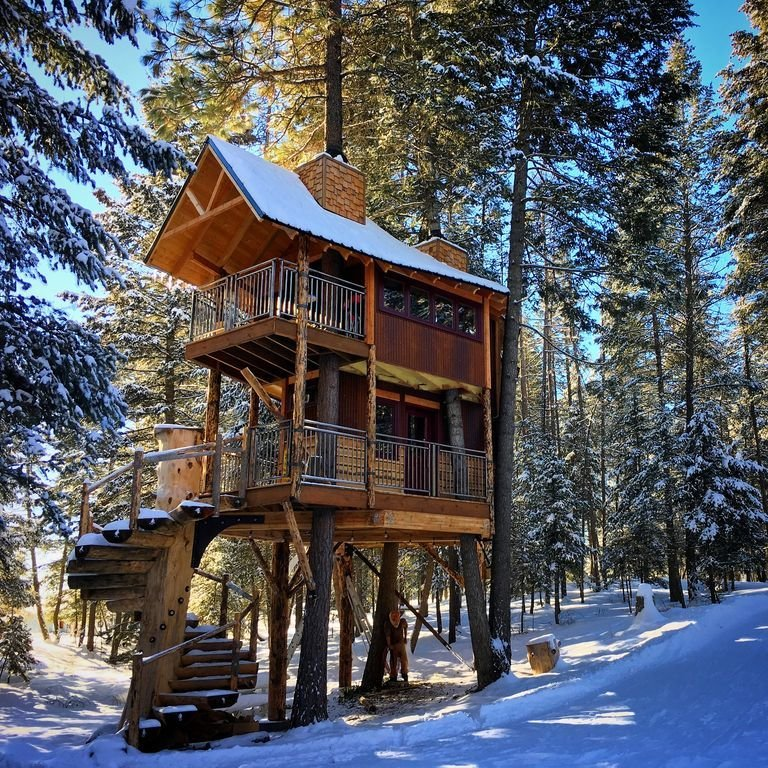 Montana treehouse retreat modern home in whitefish for Cost of building a house in montana