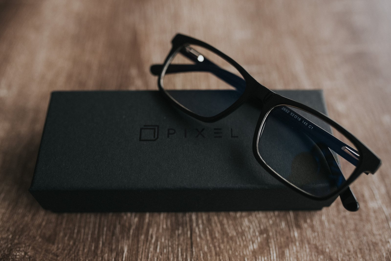 Pixel and Felix Gray offer a vast range of lightweight, unisex glasses. Whether you're looking for a classic frame or are seeking a more modern twist, you're sure to find something of interest.