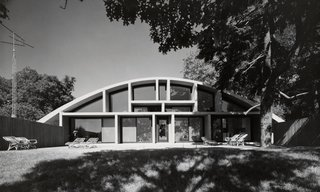 From Bauhaus Student to Brutalist Supreme: Highlights by Marcel Breuer - Photo 1 of 9 - In Lawrence, Long Island, Breuer designed the Geller House II, which employs a curved concrete roof form, resting on four abutments, that gives the interior living spaces a dramatic shape. (1967-1969)