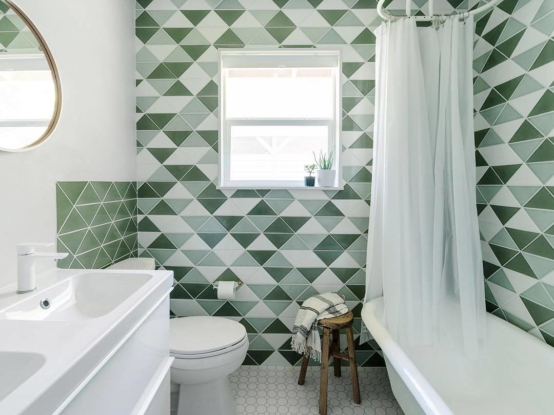 20 Bathrooms With Transformative Tiles - Photo 5 of 20