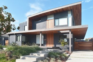 On Sunday, June 19th, the first day of the program will include five houses located throughout the Mar Vista and Culver City areas—all of which you can tour at your own convenience. One of the featured houses will be Keeshan Drive, a contemporary four-bedroom residence designed by Glen Bell of DEX Studio.