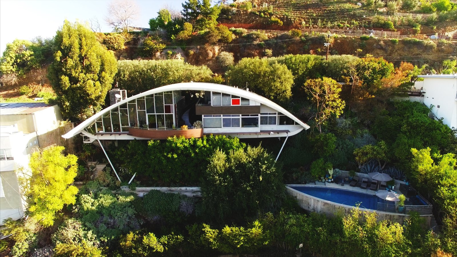 The pool at the bottom of the property did not exist when Mcllwee bought the house, even though Lautner had originally planned for it to be there. Mcllwee and Marmol Radziner used Lautner's original drawings to actually build it. Better late than never.