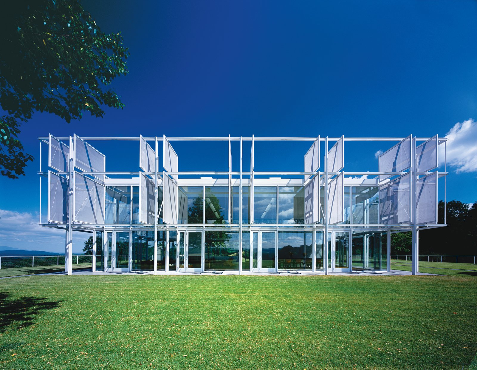 A Thomas Phifer-Designed Glass-and-Steel Masterpiece For Sale - Photo 1 of 15