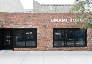 As one of the new locations, the facade of the Chicago Umami Burger was left mostly untouched besides a simple, modern logo and dark black windows that help keep the mystery alive.