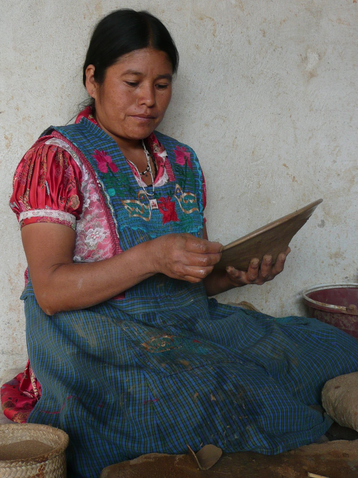 The collective represents more than 45 artisans in seven villages and strives to encourage sustainable practices and create a better way of life for the artisans. Since it's sometimes hard to earn a living with pottery, the team behind the collective fears that at least a third of the villages still working with clay will abandon their craft over the next decade. However, they're organizing workshops, courses, and exchanges where potters can develop their skills and knowledge.  Photo 12 of 16 in Caravana Americana Showcases the Passion of Latin America's Design Community