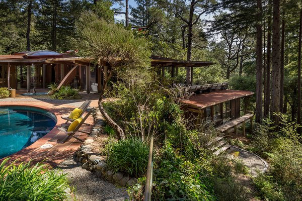 Today, everything in the house is either completely original, or was carefully updated by this family who owned and cared for it for 50 years. You'll find the full listing through Eric McFarland. Photo  of Liebermann House modern home