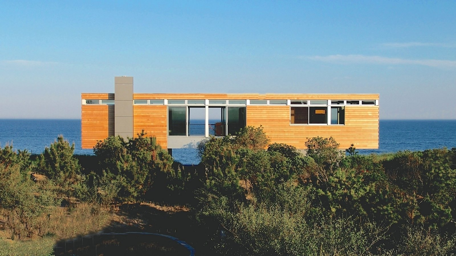 Photo 8 of 9 in Spotlight on Stelle Lomont Rouhani Architects and Their Work in the Hamptons