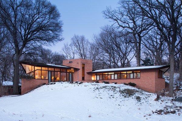2206 Parklands Lane, Saint Louis Park, MN 55416 Photo  of Frank Lloyd Wright's Parklands Lane modern home