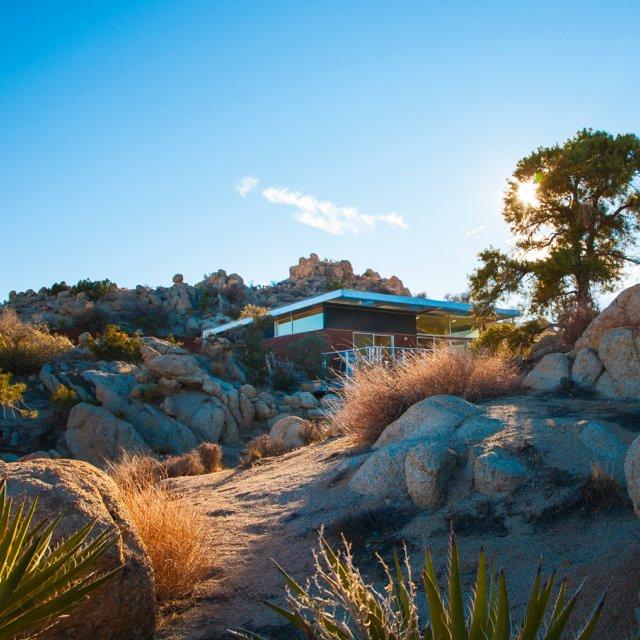 Rock Reach House by Blue Sky Building System