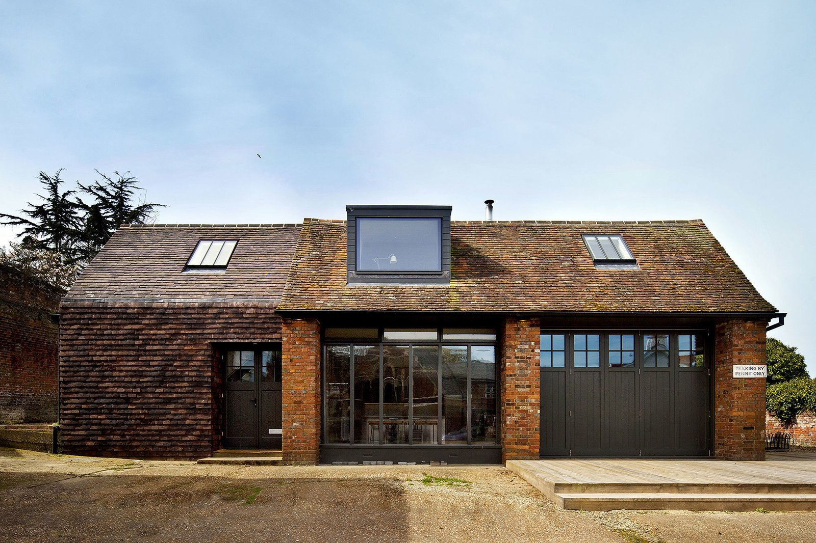 Photo 16 of 19 in 10 Dwell-Approved, New-Old Homes in the UK from Homes I like