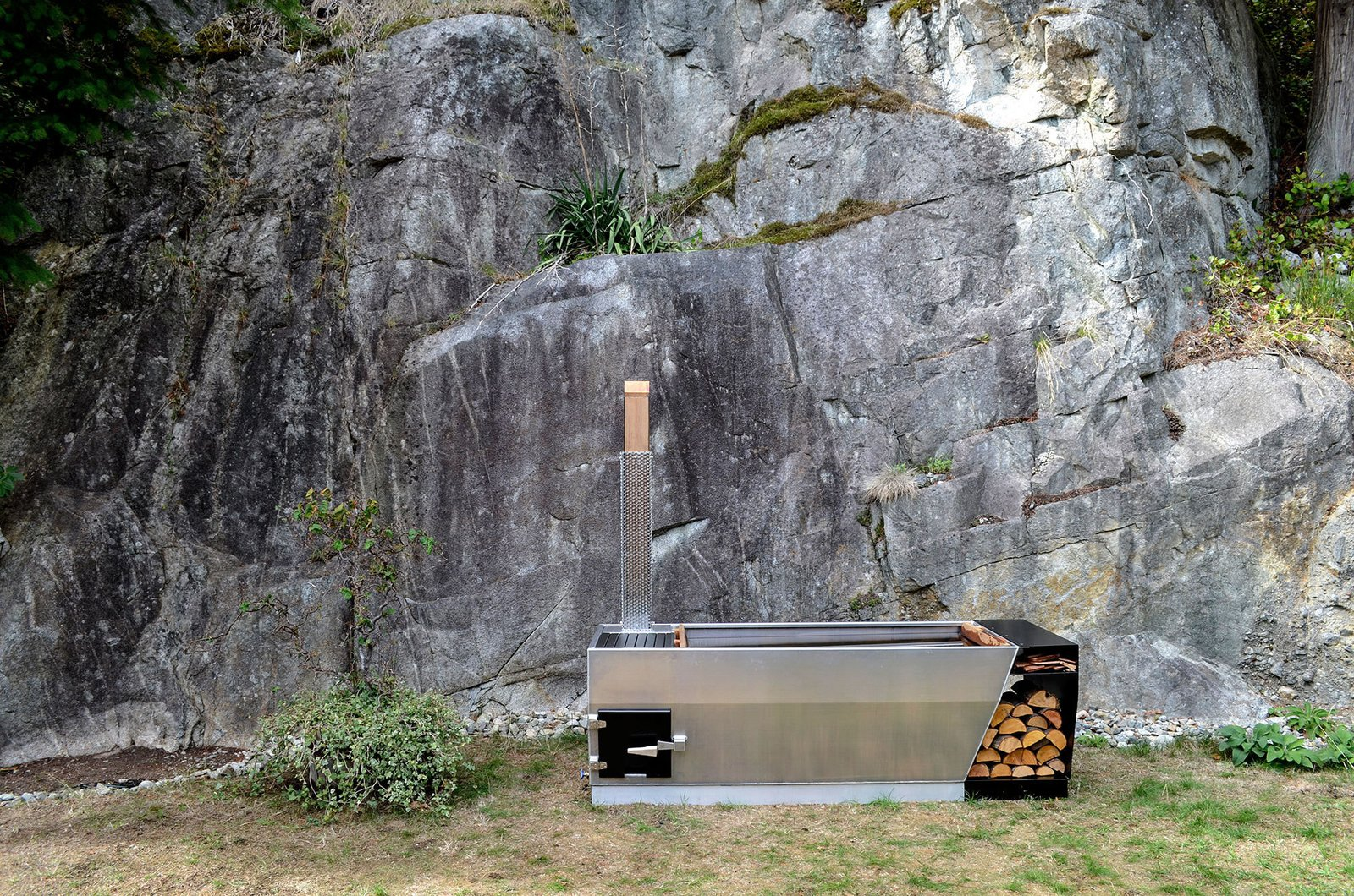 Photo 3 of 6 in SOAK Outdoor Hot Tub by Ox and Monkey